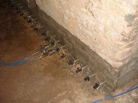 Отсечная гидроизоляция инъецированием шпатлевки для ремонта столешницы